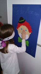 pin the nose Clown